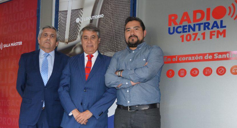Ministro del Tribunal Constitucional Cristián Letelier visita radio UCentral