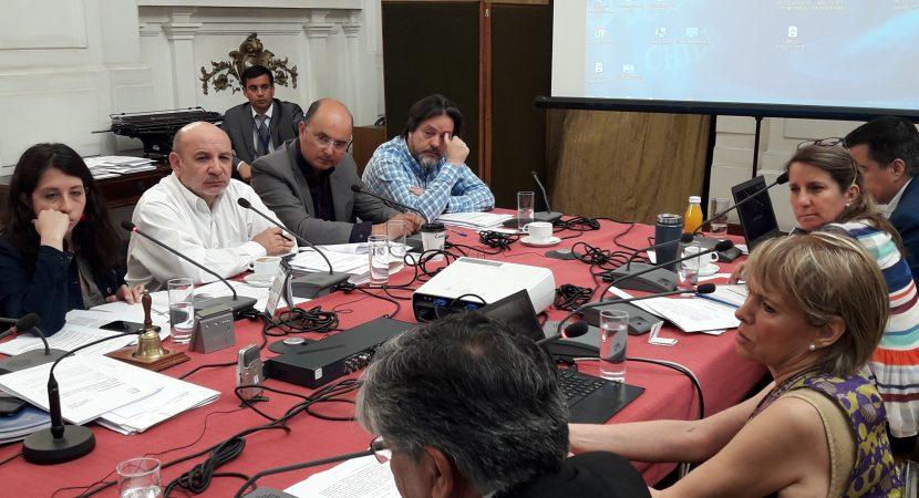 Diputado Juan Luis Castro calificó de «muy grave» que AFPs financien a médicos que argumentan fallos por pensión de invalidez
