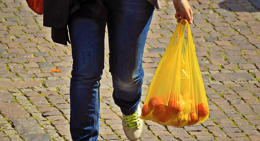 Este 3 de febrero será el fin de las bolsas plásticas en el comercio chileno