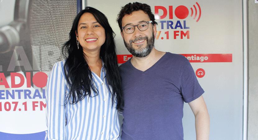Presentador del programa LatinaTV, Iván Córdova, participó junto a Diana Leal en Salsa al Parque