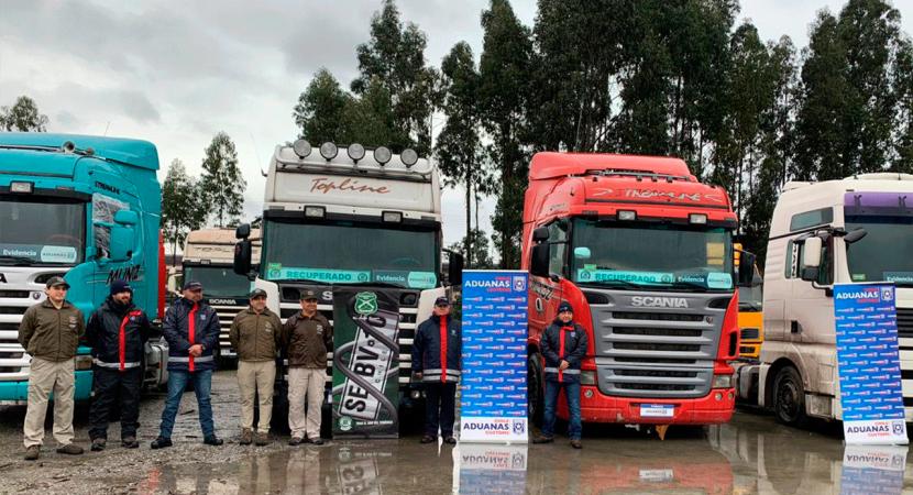 Personal de Aduanas y de Carabineros incautaron camiones que fueron ingresados ilícitamente al Chile