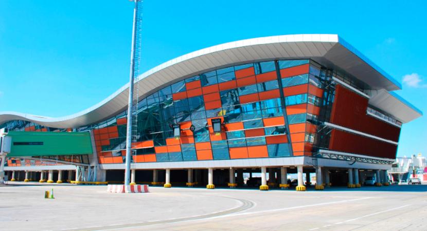 Inauguran nueva área de embarque del Aeropuerto Internacional de Santiago
