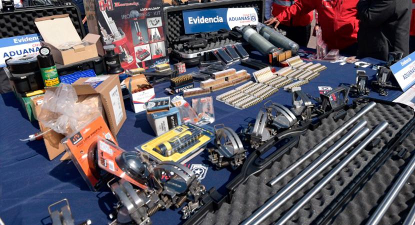 Personal de Aduanas intercepta municiones y materia para la confección de armas de fuego