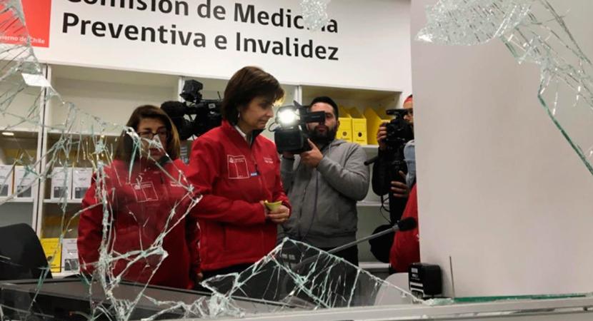 Compin habilitará servicio móvil luego de los destrozos a sus oficinas de calle Huérfanos