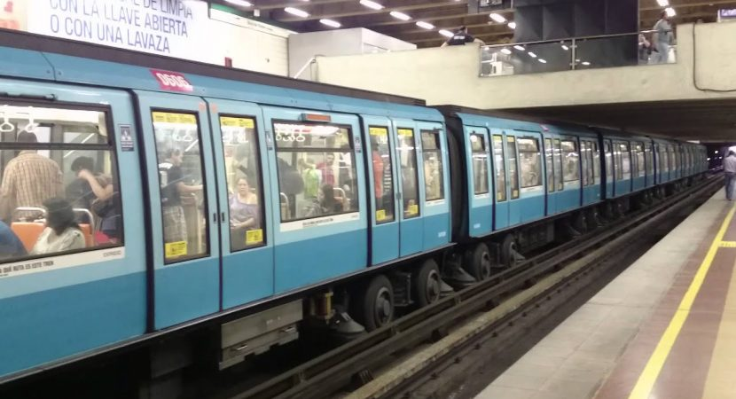 Metro de Santiago funcionará de manera parcial en Línea 2 y Línea 5