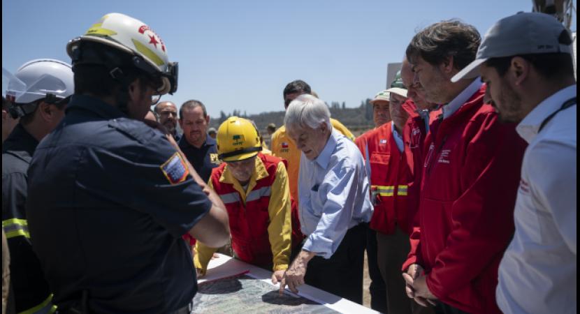 Presidente Sebastián Piñera  recorre sectores afectados por incendios en Región de Valparaíso