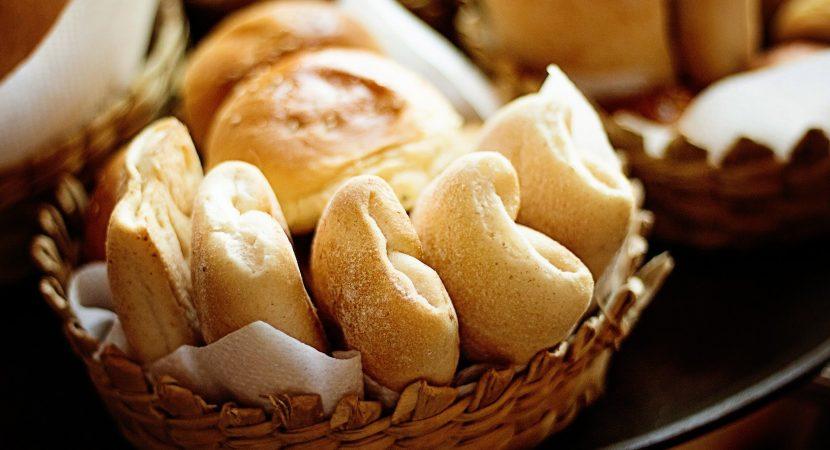 El precio del pan podría subir en 20% por culpa del dólar