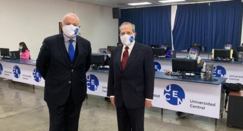 Minsal inaugura centro de trazabilidad en acuerdo con la UCEN