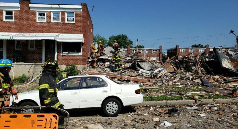 Explosión deja un fallecido y tres casas destruidas en Estados Unidos