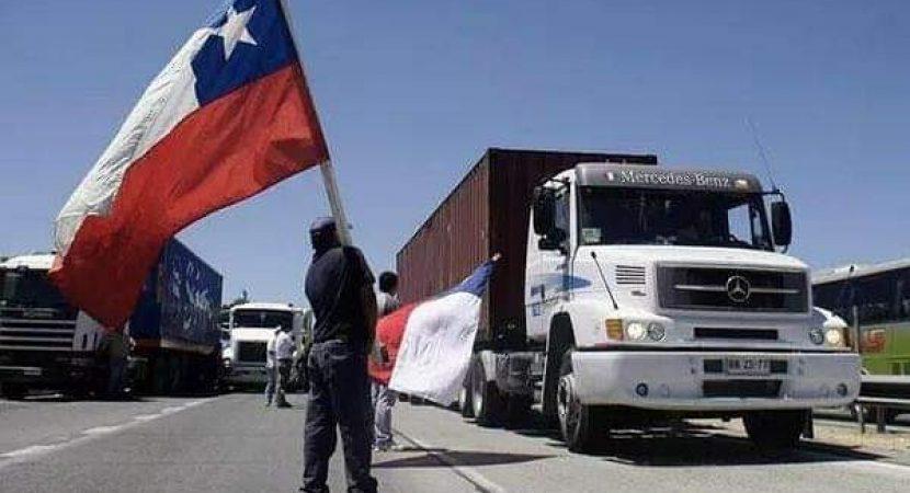 Camioneros dan fin al paro luego de llegar a acuerdo con el Gobierno