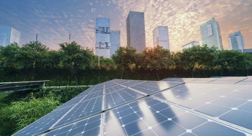 Universidad Central recibe certificado por uso de Energía Renovable