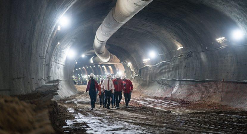 Presidente Sebastián Piñera visita trabajos de ampliación de la Línea 3 del Metro
