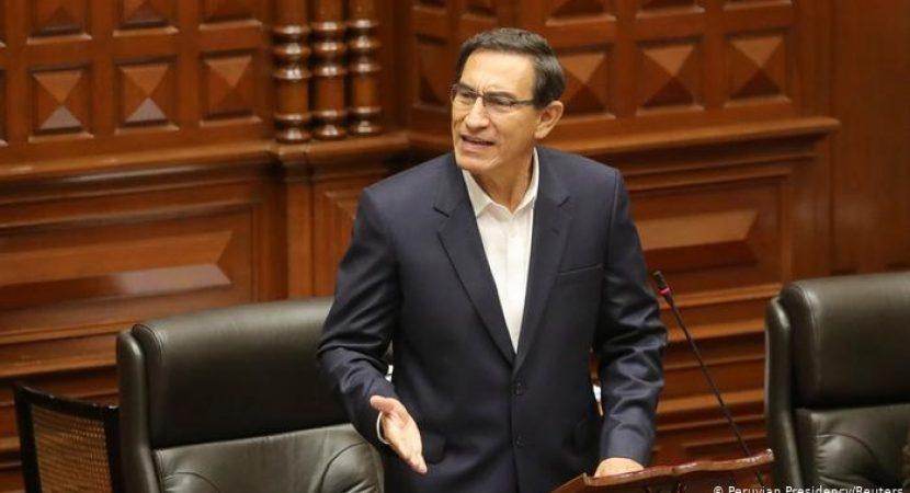 Congreso del Perú destituye al presidente Martín Vizcarra tras faltas a la probidad
