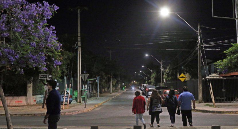 Instalarán 23.500 nuevas luces LED en la comuna de Santiago