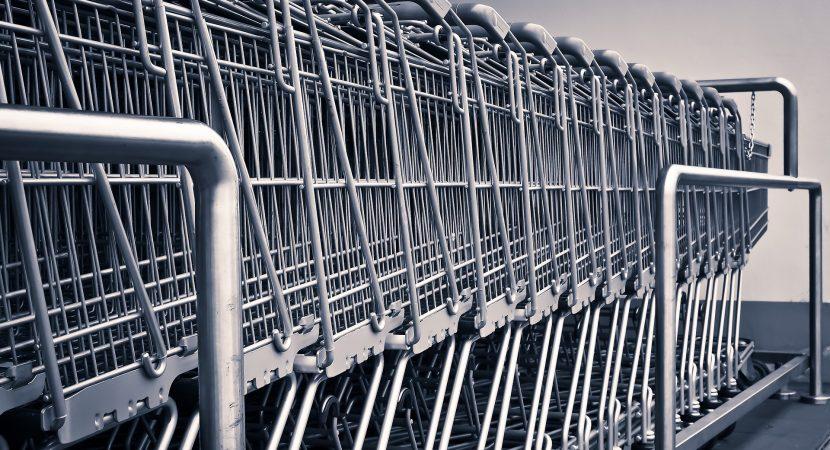 Francia: Supermercado es criticado por la venta de animales enteros