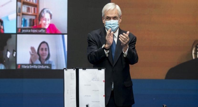 Presidente Sebastián Piñera firma proyecto que crea el Ministerio de Obras Públicas y Recursos Hídricos
