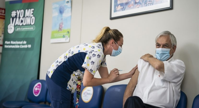 Presidente Sebastián Piñera recibe segunda dosis de vacuna contra el Covid-19