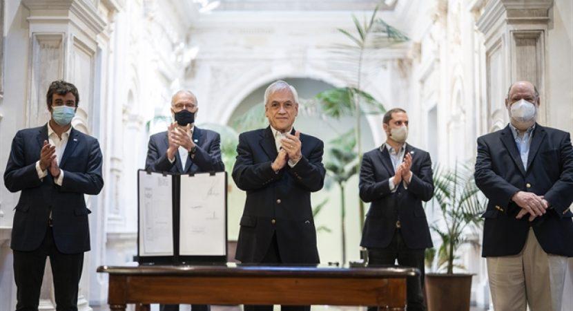 Presidente Sebastián Piñera promulga leyes electorales para comicios del 10 y 11 de abril