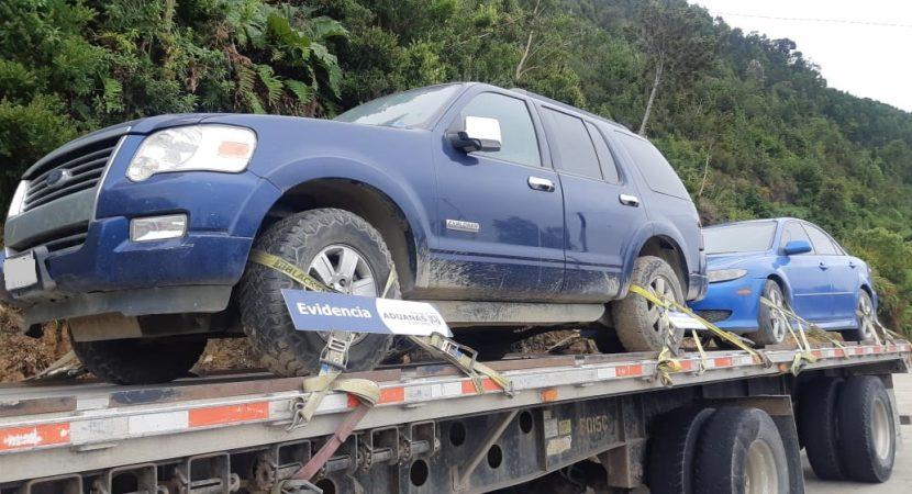 Aduana incauta tres automóviles que eran sacados ilegalmente desde Zona Franca