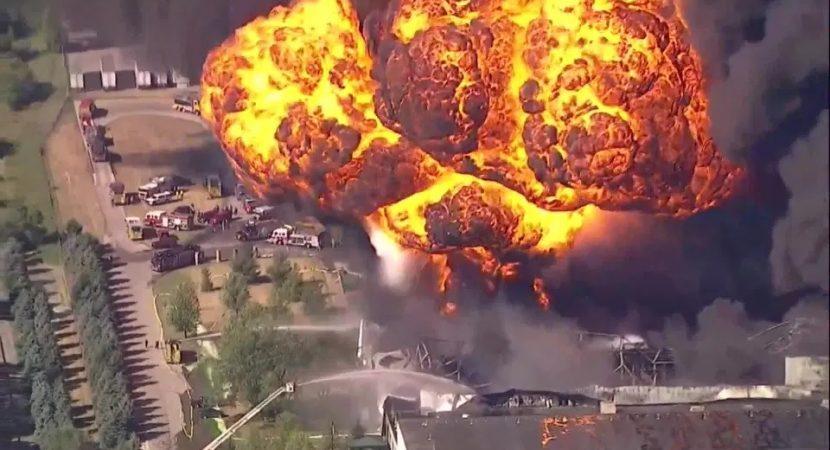 Explosión en fábrica de Estados Unidos obligó a evacuar a cientos de habitantes en un condado